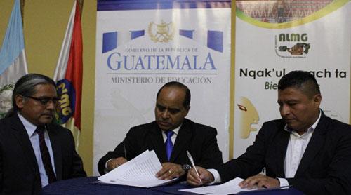 Buscan fortalecer educación bilingüe en Guatemala