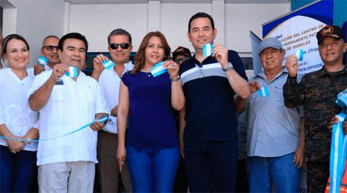 Presidente celebra alianza público-privada que permitió obra de Salud en Chiquimula