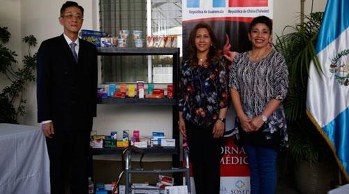 Donan medicinas para damnificados