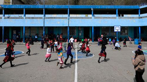 Mineduc afina detalles para pacto colectivo con maestros