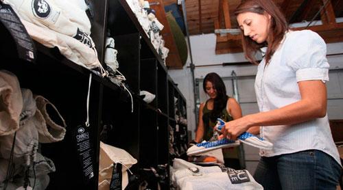 Lanzan programa para apoyar economía de las mujeres