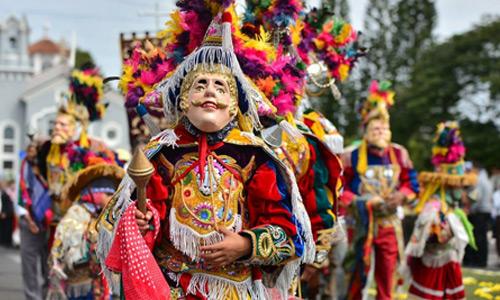 Baile de los Moros y Cristianos en Guatemala
