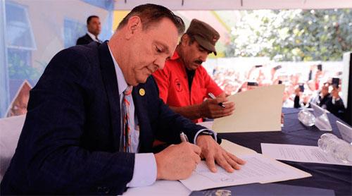 Firman acuerdo para aumento salarial a salubristas a partir de enero