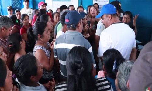 Padres de familia declaran Non Gratos a maestros por apoyar manifestaciones.