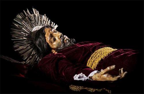 Procesión de la consagrada imagen del Señor Sepultado