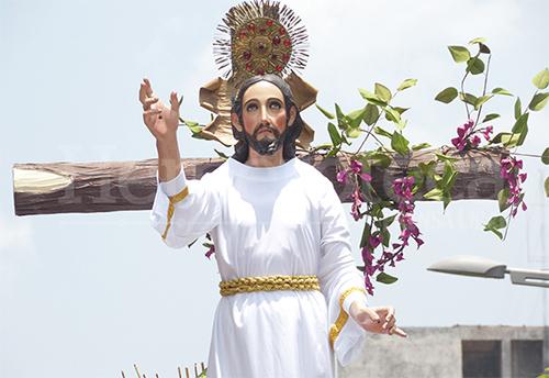 Festiva Procesión de Jesús Resucitado