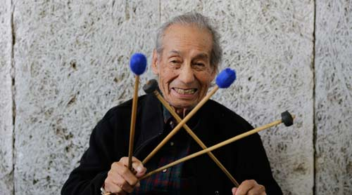 La marimba marca el ritmo de Robelio Méndez
