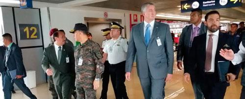 Revisan seguridad en aeropuerto La Aurora
