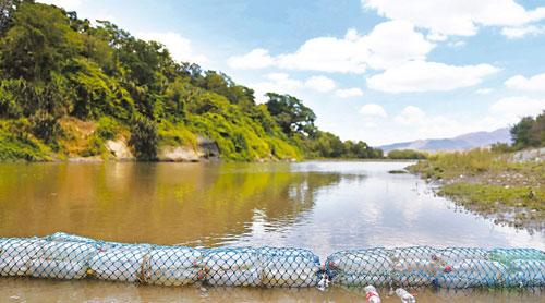 Benefician a familias con programa de adaptación en Guatemala