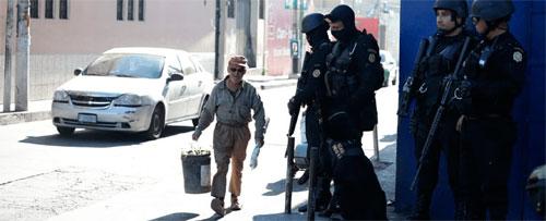 Efectúan amplio operativo de seguridad en Villa Nueva