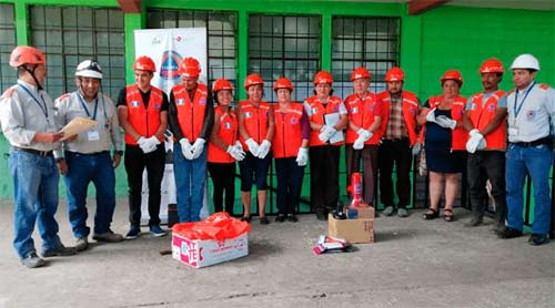 Entregan equipo especial de protección a coordinadoras locales