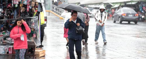 Sistema de alta presión causa lluvias en el territorio nacional