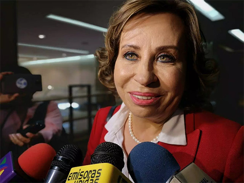 CC emitió resolución que favorece a Sandra Torres y ella pide respetar la decisión