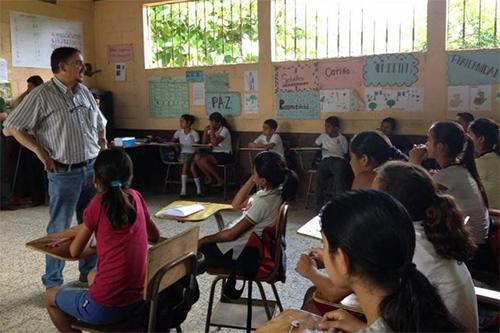 Ministerio de Educación autorizó suspender las clases por fuertes lluvias
