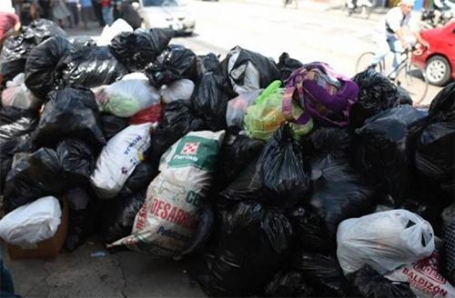 Actividades patrias dejaron al menos 750 toneladas de basura en toda la ciudad