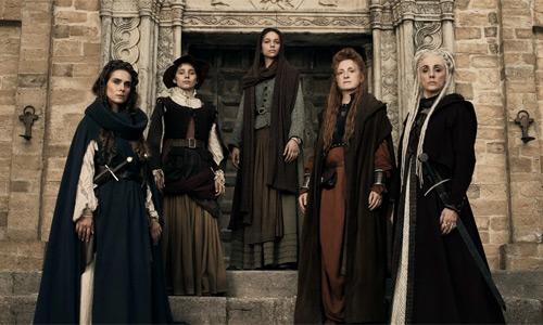 Actores y personajes de la serie italiana Luna Negra