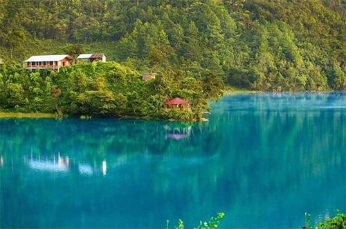 Laguna Brava en Huehuetenango Guatemala