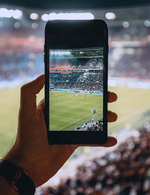 https://www.deguate.com/artman/uploads/61/celular-estadio.jpg