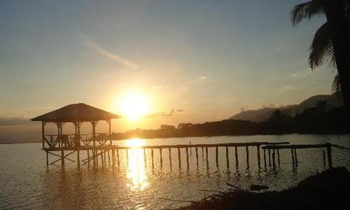 Atardecer Hotel Lago Izabal