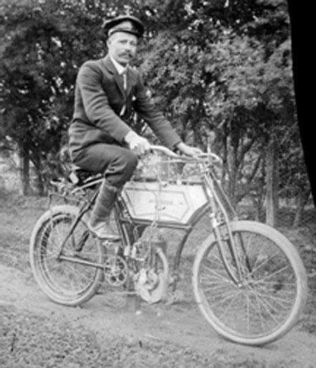 Bicicleta motorizada con motor Minerva de fabricación belga