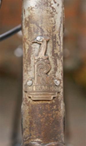 Emblema Raleigh de su planta de bicicletas en Irlanda