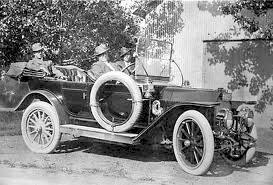 Automovil Stoddard Dayton distribuido en Guatemala por Topke y Cia